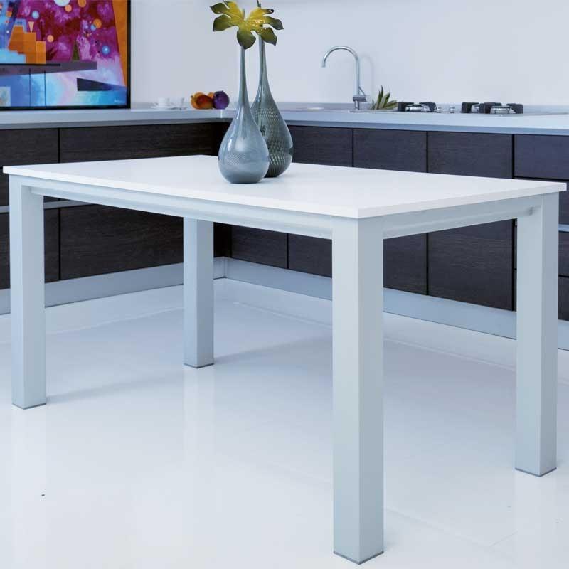 Mesas de cocina a medida cocina moderna en blanco y negro for Medidas mesa cocina