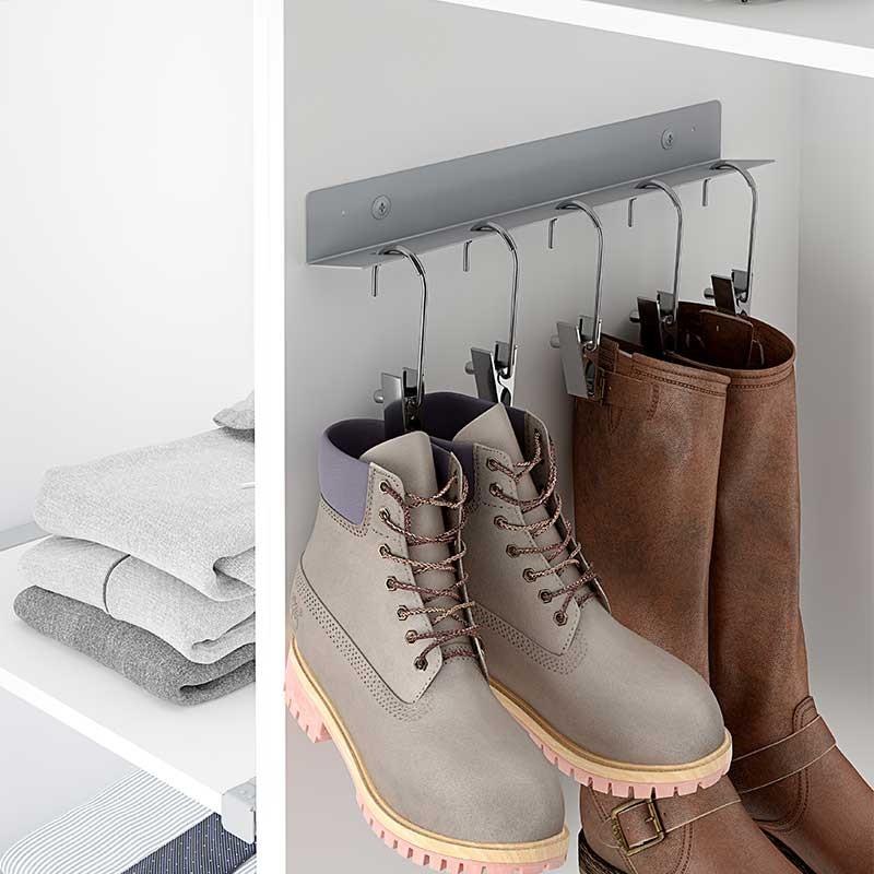 Soporte percha para botas equipamiento armario vestidor for Perchas para colgar botas